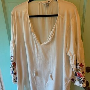 Old Navy White & Floral Tunic Shirt - XXL